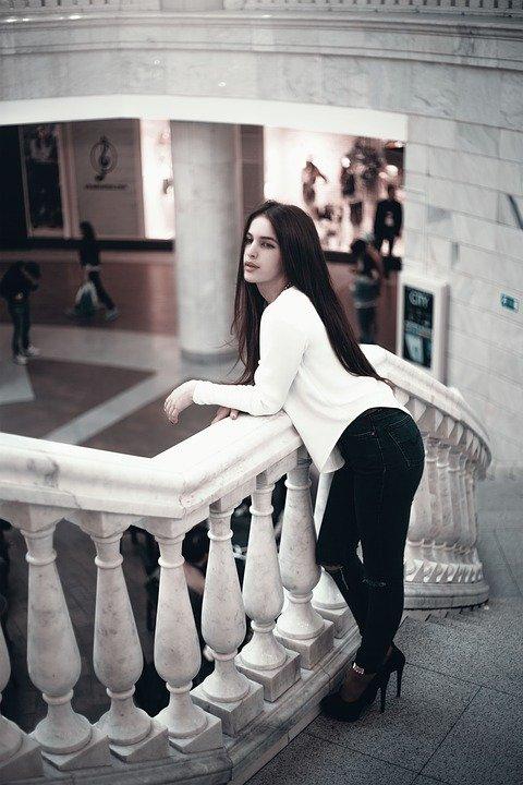 girl-1557444_960_720